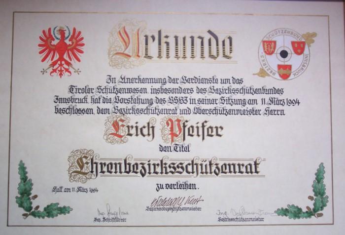 Ernennung zum Bezirksschützenrad Erich PfeiferBild1